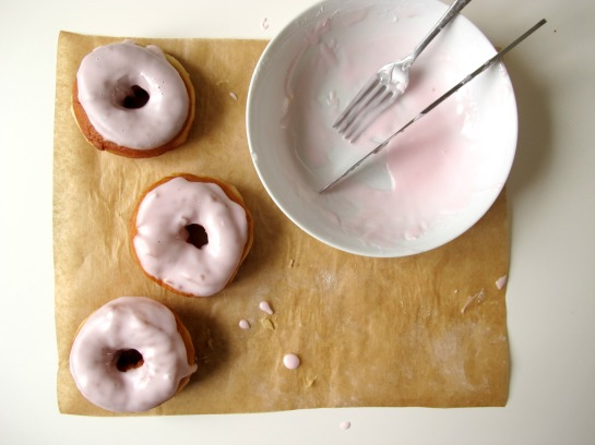 Iced Strawberry Doughnuts // VSPP